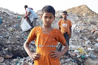 Children living off the rubbish heaps in the slums of India. Andreas Schwaiger/Caritas Switzerland.