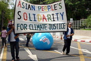 Caritas Asia takes part in a climate justice march at UN talks in Bangkok. Credits: Caritas
