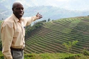 A local staff member showing visiting delegates the beauty of Rwanda on the 50th anniversary of Caritas Rwanda. Credits: Jacques Dinan, Caritas Africa