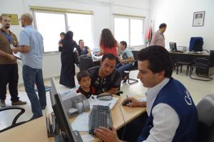 Caritas Jordan clinics provide medical supplies and give medicine to the most needy Credits: Lykauf/Caritas Switzerland