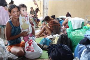 Caritas Manila has been giving out emergency food packs to flood victims. Credits: Caritas Manila