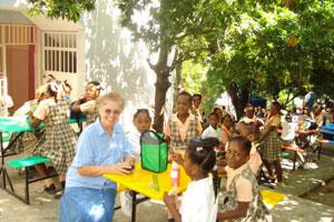 Colegios en Haití vuelven a abrir sus puertas después del terremoto de 2010