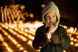 L'action « Un million d'étoiles » en Suisse – une mer de bougies pour la solidarité