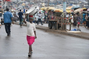 Called 'kayayie', porters in the markets of the Ghanian capital are child labourers. Credit: Caritas Ghana.