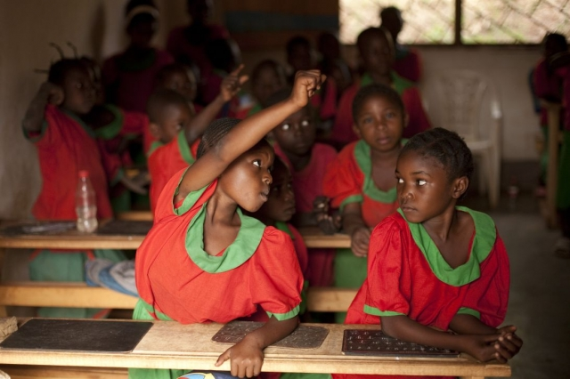 Pupils attend a class in a school ran by the Catholic Mission in Bozoum, 387 km west of Bangui. Photo: Matthieu Alexandre/Caritas
