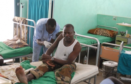 Cuerda de salvamento en el asedio a los montes sudaneses de Nuba