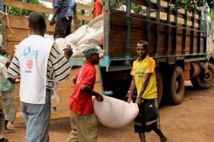 Caritas is providing food and other aid across CAR.  Photo by Kim Pozniak/CRS