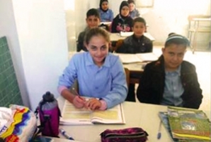 Un travailleur social de Caritas a réussi à trouver une place pour Farah dans une école de Tripoli. Photo de Caritas Liban.