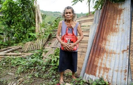 El tifón en Filipinas, un año después: una casa nueva para Amalia
