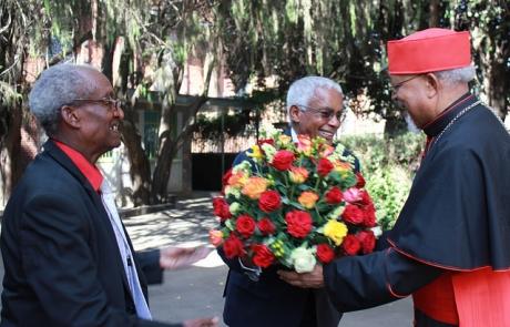 Le Cardinal éthiopien accueille à bras ouverts l'homme qui l'a emprisonné