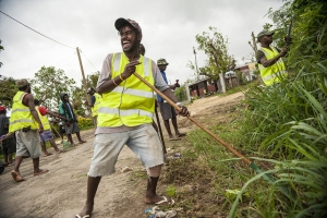 Port Vila, Vanuatu residents working to clean up debris from neighbourhoods affected by Cyclone Pam as part of the joint Caritas-Oxfam 'Cash for Work' livelihoods programme. Photo: Crispin Anderlini/Caritas