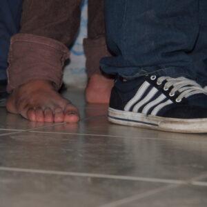 Cómo llegan a caer los jóvenes migrantes en manos de los traficantes de personas