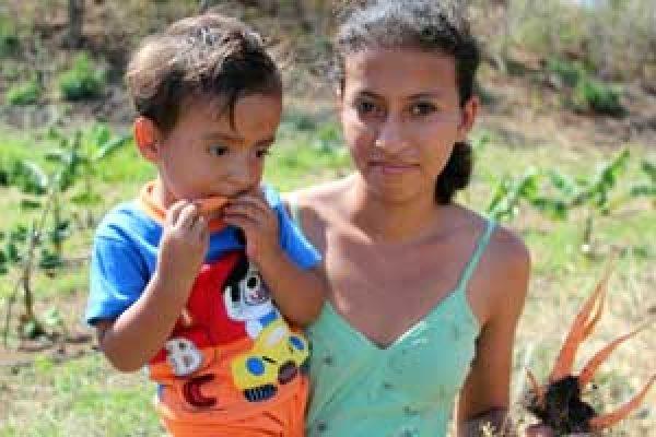 Campesinas y refugiadas ganan un premio de Caritas para mujeres