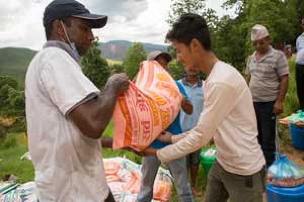 """Tres meses después, """"Caritas ha movido montañas"""" en Nepal"""