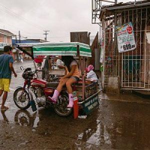 Philippines weathers Typhoon Hagupit as aid arrives