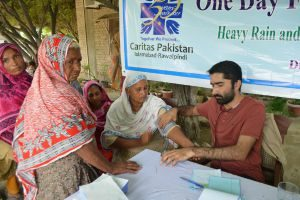 Aid reaching flood-hit Pakistan