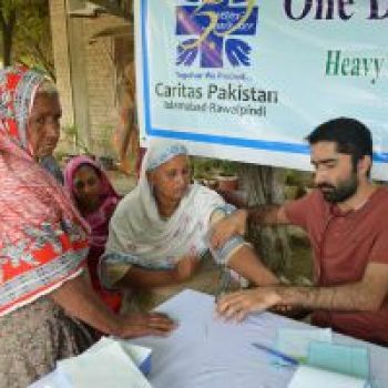 Aid reaching flood-hit Pakistan