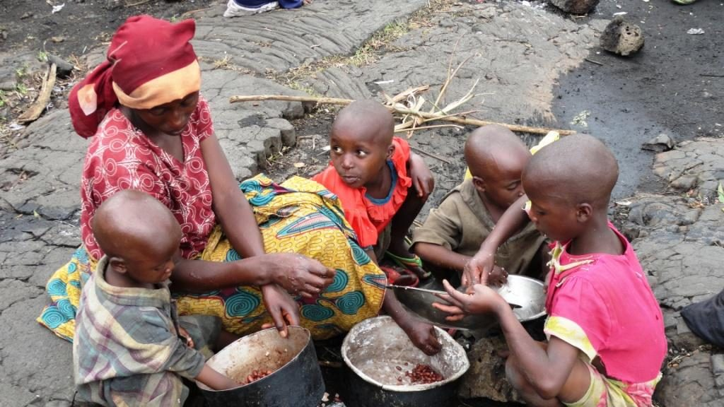 Thousands flee as horror returns to Congo