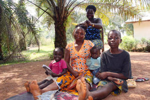 Ivoirians fleeing to Liberia meet widow's might