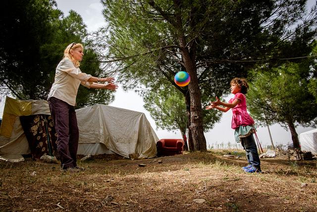 Des réfugiés syriens trouvent un abri sous des tentes à Gölmarmara, province de Manisa
