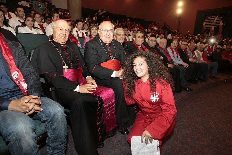 Environ 400 jeunes bénévoles de Caritas Liban se sont réunis au Théâtre Saint-Joseph en présence de Son Eminence le Cardinal Leonardo Sandri, Préfet de la Congrégation des Eglises Orientales, du Nonce apostolique au Liban, Mgr Gabriele Caccia, de l'Evêque maronite d'Antélias Mgr Camille Zeidan et du Président de Caritas Liban P. Simon Faddoul.