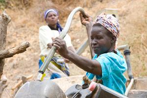 Built by Caritas Kenya as part of the Katangi Food Security Project in 2008, the Kwa Kivanga dam has been a huge success. Credits: David Snyder/Caritas