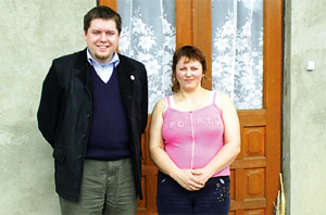 Olga and her counsellor in Ukraine Credits: Caritas Belgium