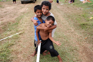Caritas took families to safety after a tsunami hit Samoa. Credits: Caritas