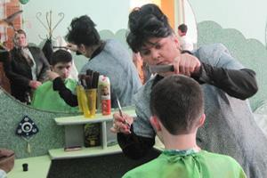 Oxana in a beauty salon in Drohobych, in the L'viv region of Ukraine Credits: Caritas Ukraine