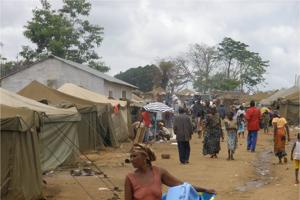 Expelled Angolans from Congo live in camps with little food or sanitation. Credits: Caritas Angola