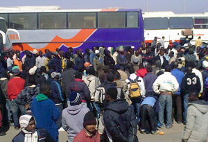 Migrant workers from Ghana are waiting to board on busses out of Salloum Credits: CRS Egypt