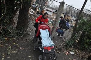 Dans le 13è arrondissement, à Paris, un camp de Roms de 5 familles à été évacué, sur ordre de la Mairie de Paris. Credit: Secours Catholique