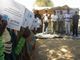 Caritas is providing food, water and medical help to mothers hit by the drought. Credit: Caritas Pakistan