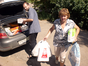 Dioceses in Russia are collecting food, clothes and more for people who fled their homes in eastern Ukraine and are now living in Russia. Photo by Caritas South of Russia