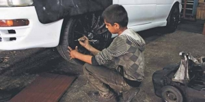 One in ten Iraqi refugee children are involved in child labour according to the study. Credit: CLMC.