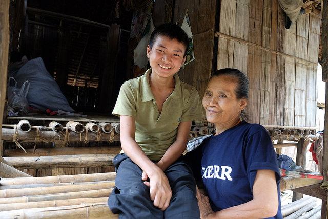 Kay Doh et Mae de COERR. Photo par Nicholson / Caritas