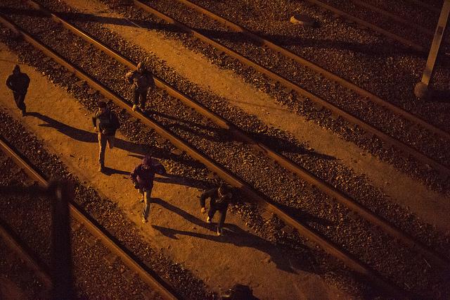 Calais es la última parada para muchos migrantes, antes de intentar la peligrosa travesía a través del canal inglés. Foto de Elodie Perriot / Secours Catholique