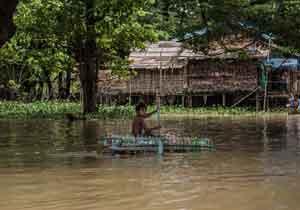 Grandes inundaciones en Myanmar, en julio de 2015, que provocaron serios daños en viviendas y cultivos. Foto de Tommy Trenchard / Caritas