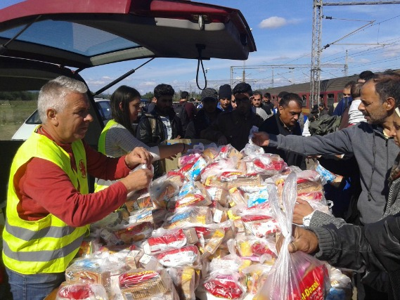 Caritas has already been providing water, food, hygiene kits and diapers to 500 people a day in MAcedonia on the border with Serbia. Credit: Caritas