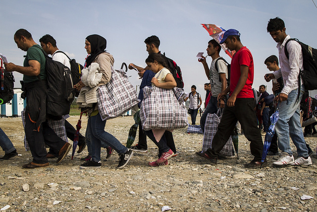 Refugees and migrants crossing Macedonia. Photo by Antonio Fantasia/Caritas
