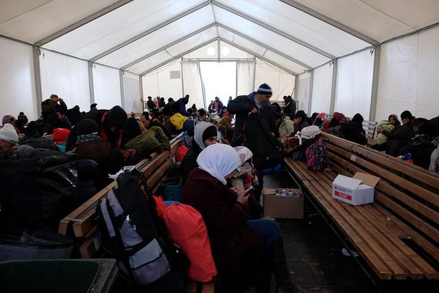 Caritas sert plus de 500 soupes par jour dans un camp de transit à Gevgelija, en Macédoine, qui accueille les réfugiés et les migrants en provenance de la Grèce. Crédit photo : Irene Broz/Caritas