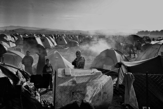 Plus de 14000 personnes se sont retrouvées coincées le 9 mars à la frontière à Idomeni.