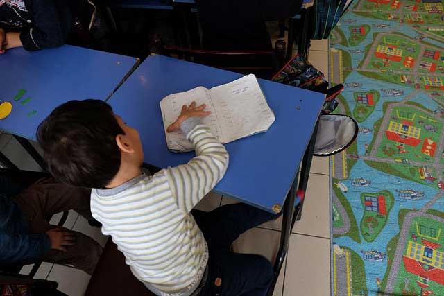 Caritas Turquie finance quatre écoles qui dispensent un enseignement gratuit aux enfants.