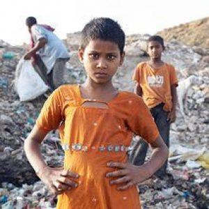 La carestía flagela a los pobres desde Argelia a la India