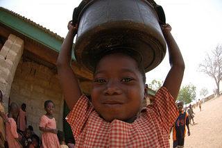 Les enfants migrants deviennent des enfants travailleurs au Ghana