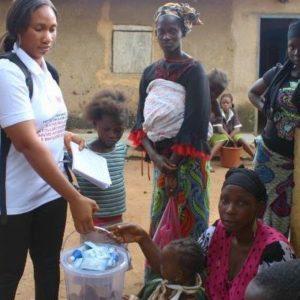 Les entreprises cacaoyeres appuient la reponse face a L'Ebola