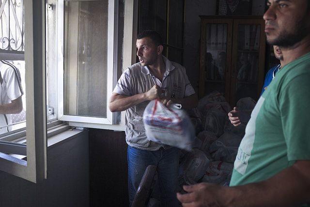 Renewed Gaza conflict threatens relief effort