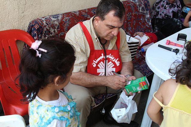 Mobile clinic visits Syrian refugee children