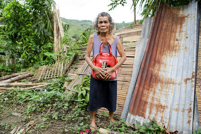 Philippines rising: One year after Haiyan – A new house for Amalia
