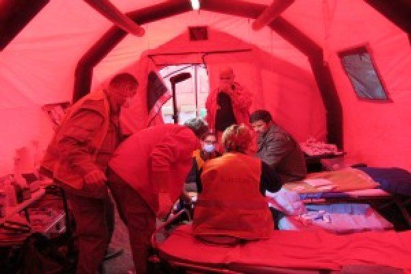 Equipos médicos ayudan a los refugiados en Eslovenia